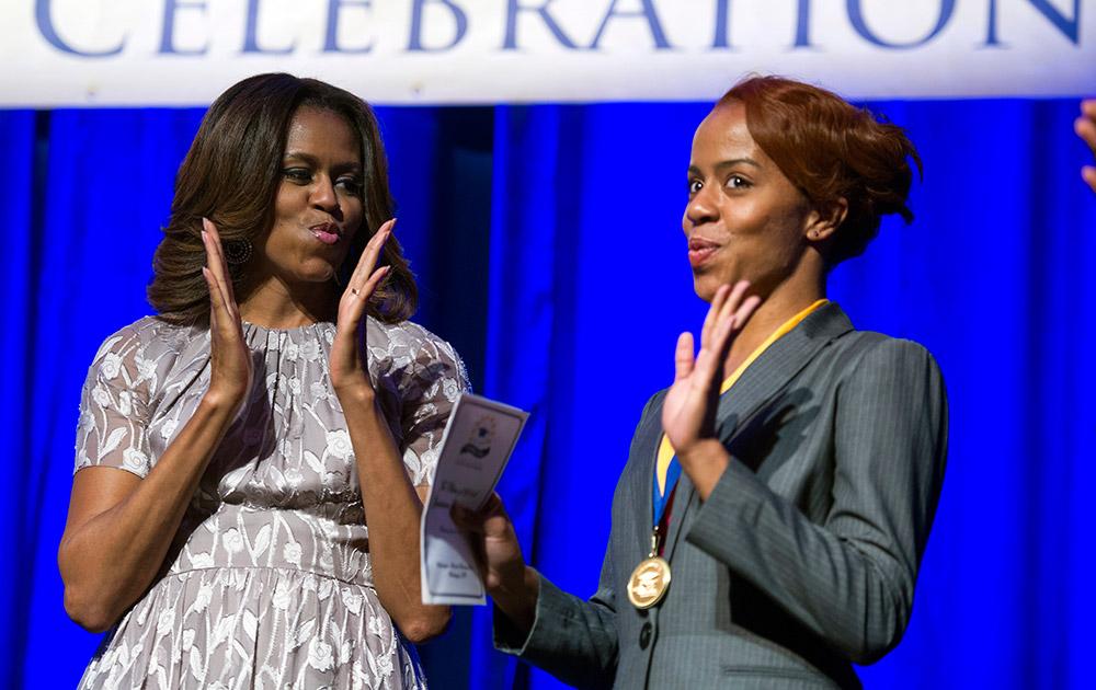 वाशिगंटन में एक कार्यक्रम के दौरान अमेरिकी की पहली महिला मिशेल ओबामा।