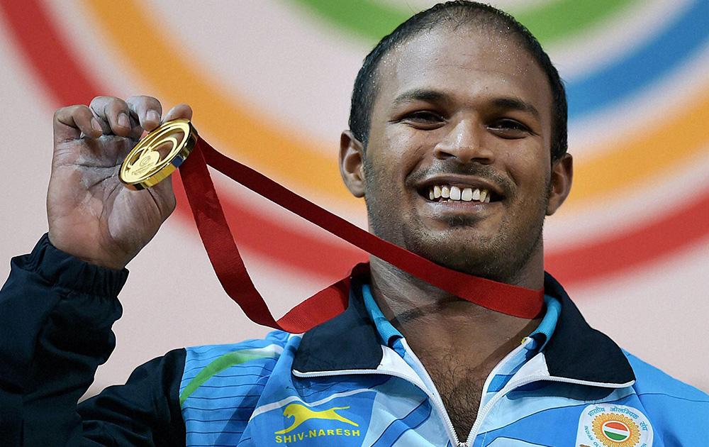स्काटलैंड: ग्लासगो में कॉमनवेल्थ गेम्स 2014 के तहत पुरुषों के वेटलिफ्टिंग (77 किलोग्राम केटेगरी) मुकाबले में भारत के सतीश शिवलिंगम ने गोल्ड मेडल जीता।