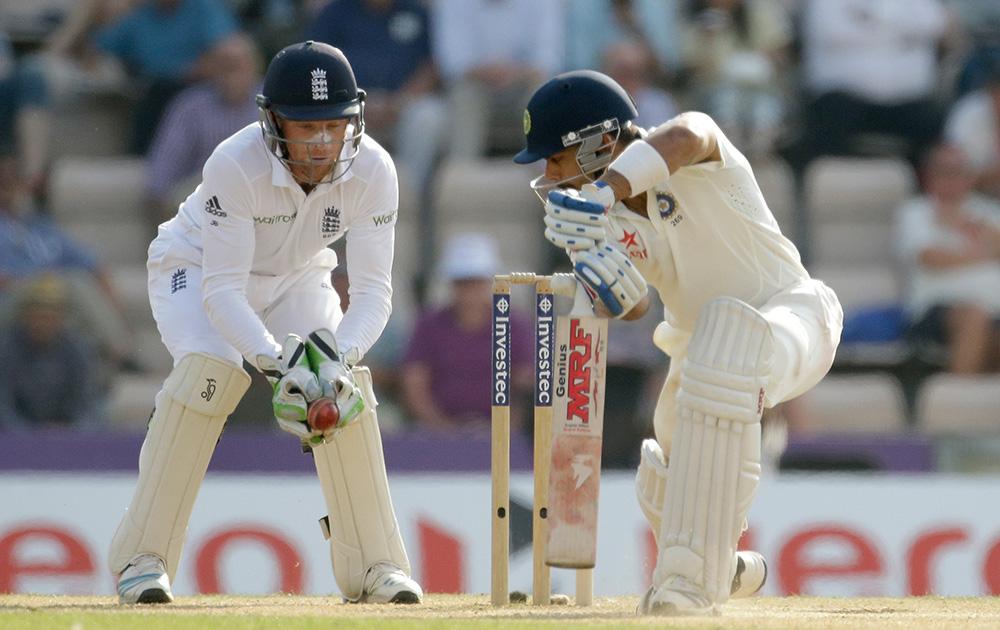 तीसरे टेस्ट के चौथे दिन भारतीय बल्लेबाज विराट कोहली दूसरी पारी में भी जल्दी आउट हो गए।