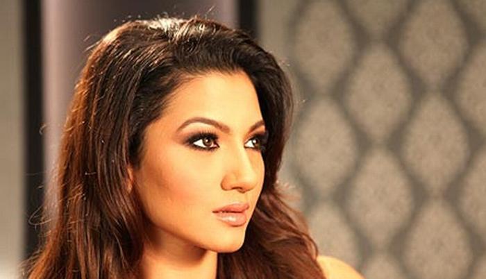 अभिनेत्री गौहर खान को युवक ने मारा थप्पड़, 'कम कपड़े' न पहनने की दी चेतावनी