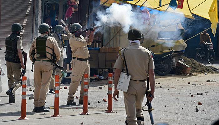 J&K : गिरफ्तारी के बाद मसरत को 7 दिन की पुलिस रिमांड पर भेजा, आज कश्मीर बंद का ऐलान