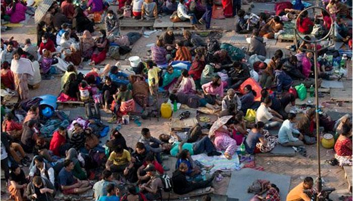नेपाल भूकंपः 4000 से ज्यादा की मौत, जरूरी चीजों की कमी से गहराया संकट