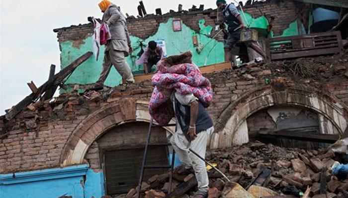 LIVE: नेपाल में भूकंप से मरने वालों की तादाद बढ़कर हुई 3351, पीएम मोदी ने राज्य सरकारों के सहयोग व एनडीआरएफ को सराहा