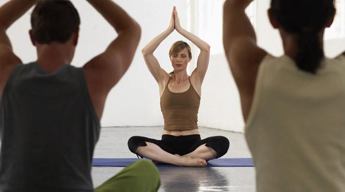 कम उम्र से योग और ध्यान करने पर हमेशा रहेंगे स्वस्थ