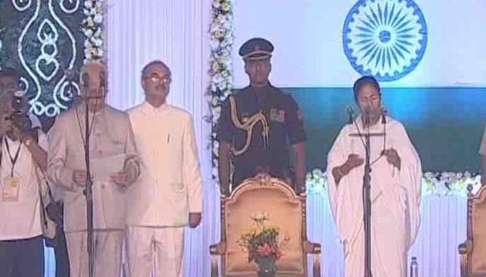 पश्चिम बंगाल: लगातार दूसरी बार CM बनीं ममता बनर्जी, 17 नए चेहरों समेत 42 मंत्रियों ने ली शपथ