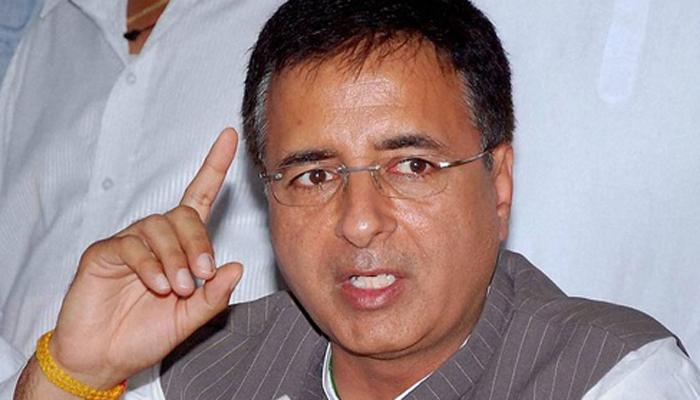 कश्मीर जल रहा है लेकिन प्रधानमंत्री ढोल बजा रहे हैं: कांग्रेस