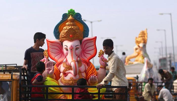 गणेश चतुर्थी आज, मुंबईवासियों ने गणपति बप्पा का जोरदार स्वागत किया