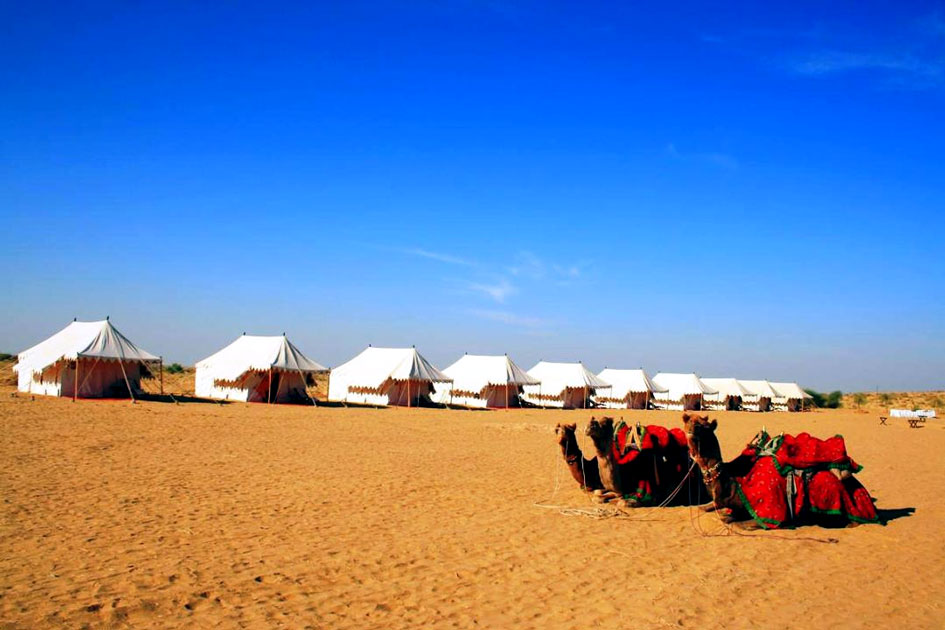 Camel riding and camping in the dunes of Jaisalmer