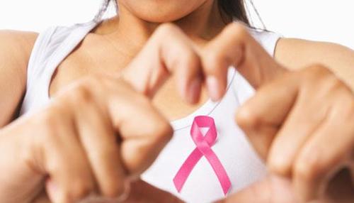 'हॉर्मोनल गर्भनिरोधक से बढ़ता है स्तन कैंसर का खतरा'