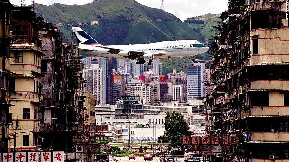 Kai Tak Airport landing in Hong Kong