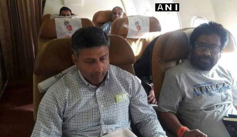 बैन हटने के बाद पहली बार 'उड़े' शिवसेना सांसद रवींद्र गायकवाड़, Air India से किया सफर