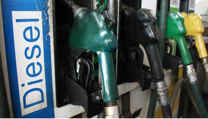 घर बैठे मिलेगा पेट्रोल और डीजल! 'होम डिलीवरी' पर विचार कर रहा पेट्रोलियम मंत्रालय