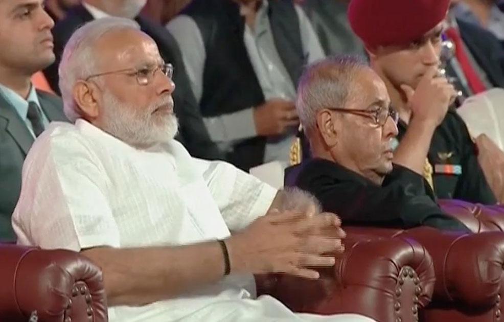 ndian PM narendra modi & President Pranab Mukherjee at EsselGroup