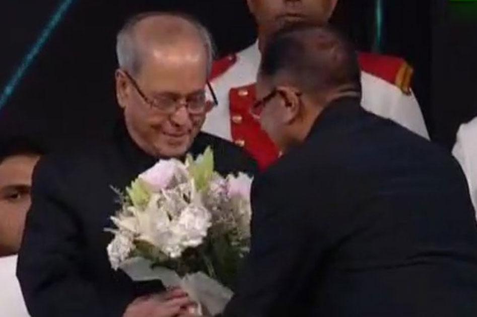 Essel Group welcome President Pranab Mukherjee.