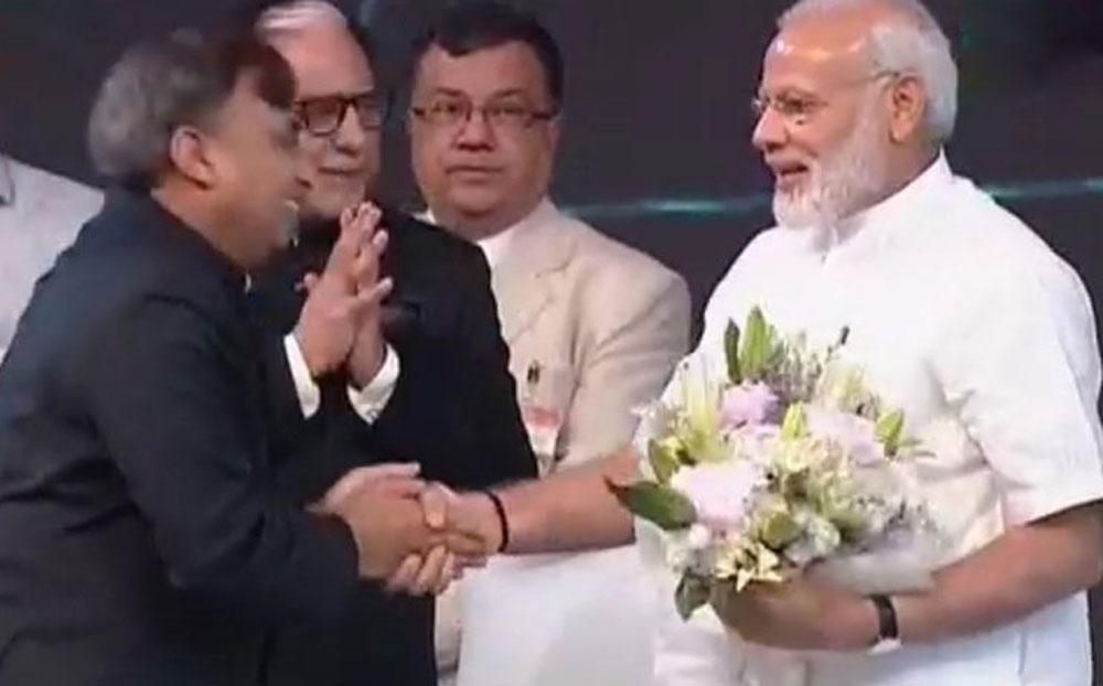 Essel Group welcome PM Narendra Modi.