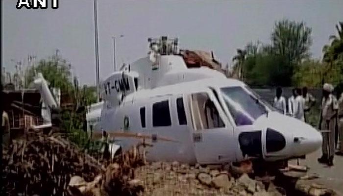 महाराष्ट्र के सीएम का हेलीकॉप्टर क्रैश,बाल-बाल बच गए