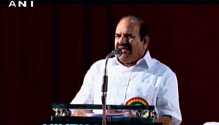 एक साल पहले - केरल: CPM नेता ने किया सेना का अपमान, कहा-'सेना रेप-हत्या कुछ भी कर सकती है' - शब्द (shabd.in)