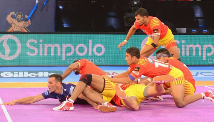 प्रो कबड्डी लीग: गुजरात फॉर्च्यून जायंटस की तीसरी जीत, दबंग दिल्ली की चौथी हार