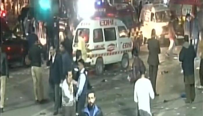 पाकिस्तान में विस्फोट: 15 लोगों की गई जान, 24 से अधिक घायल