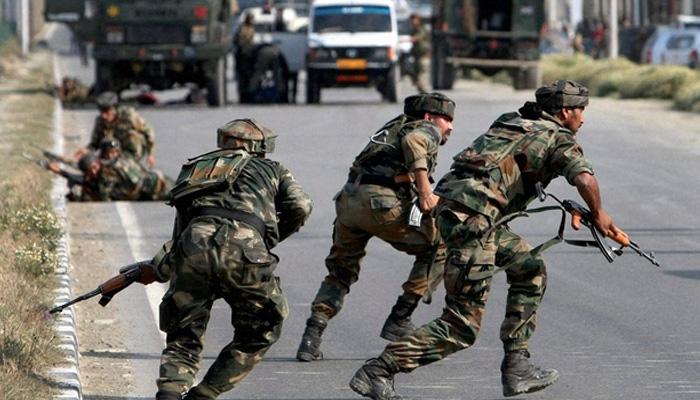 शोपियां में फिर शुरू हुई गोलीबारी, सेना के जवान दे रहे हैं सख्ती से जवाब