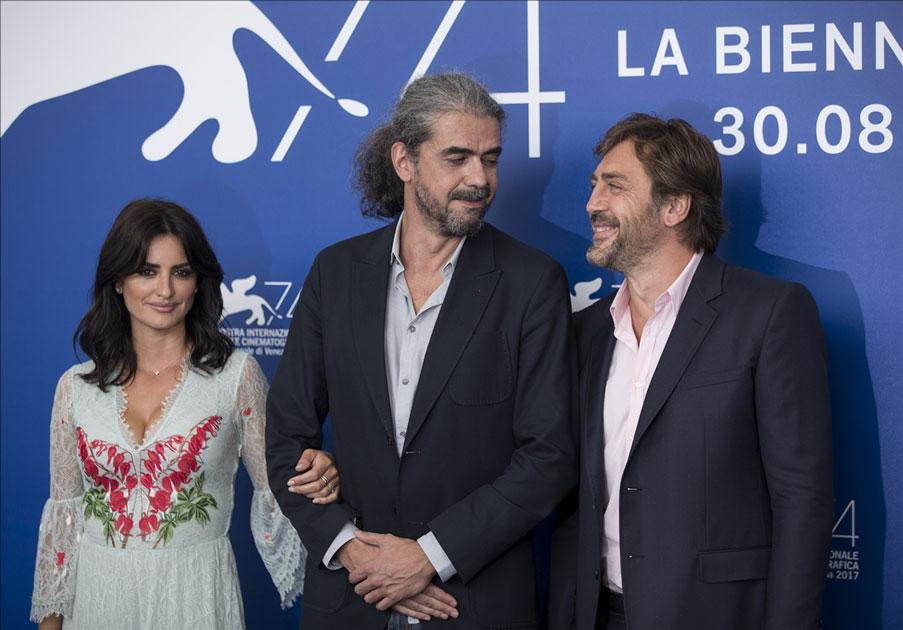 Actress Penelope Cruz, director Fernando Leon de Aranoa and actor Javier Bardem attend the photocall