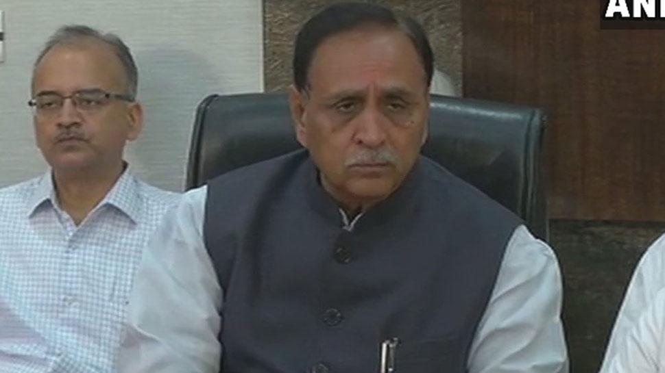 गुजरात में पेट्रोल-डीजल के रेट हुए कम, सरकार ने घटाया VAT