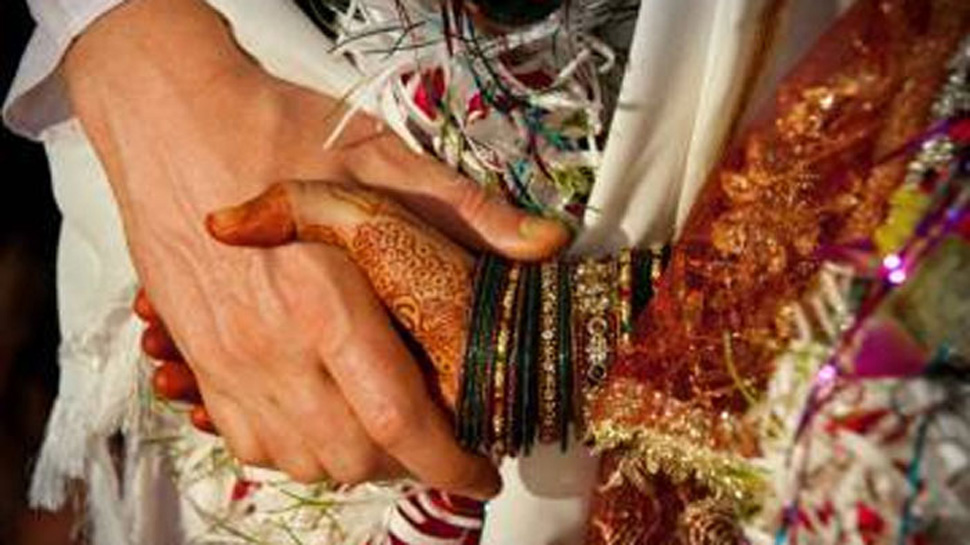 यह दुर्भाग्यपूर्ण है कि 15-18 वर्ष की पत्नी के साथ संबंध के मामले की सरकारों ने अनदेखी की: SC