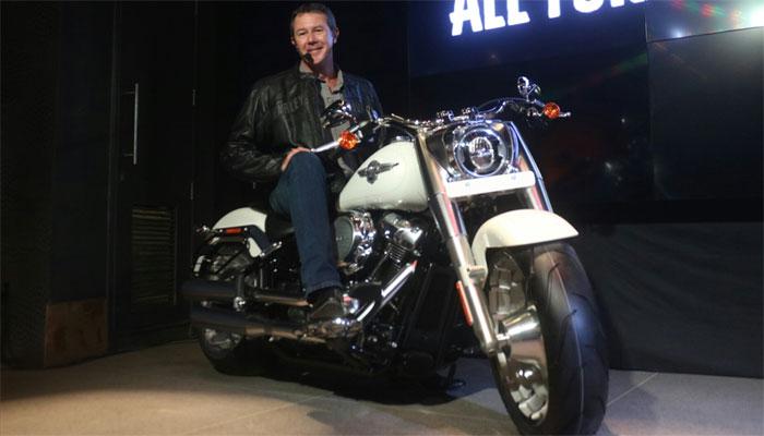 जिस बाइक के शौकीन हैं धोनी, उस ब्रांड ने लॉन्च की 4 नई मोटरसाइकिल