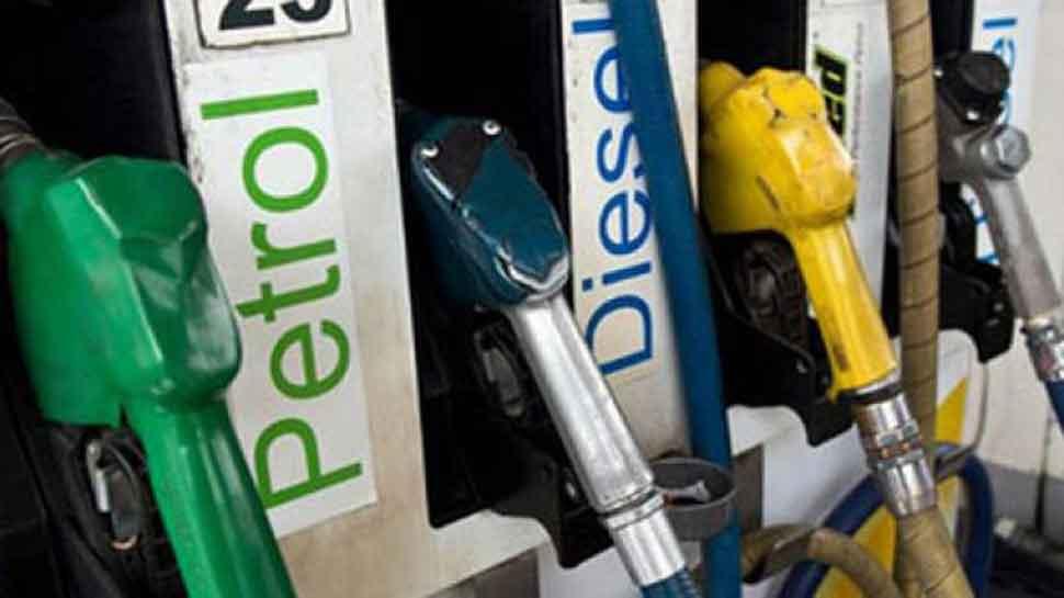 मध्य प्रदेश सरकार ने दिए पेट्रोल-डीजल पर जल्द वैट घटाने के संकेत