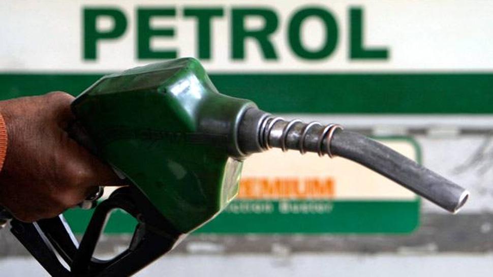 गुजरात, महाराष्ट्र के बाद मध्य प्रदेश में भी सस्ता हुआ पेट्रोल