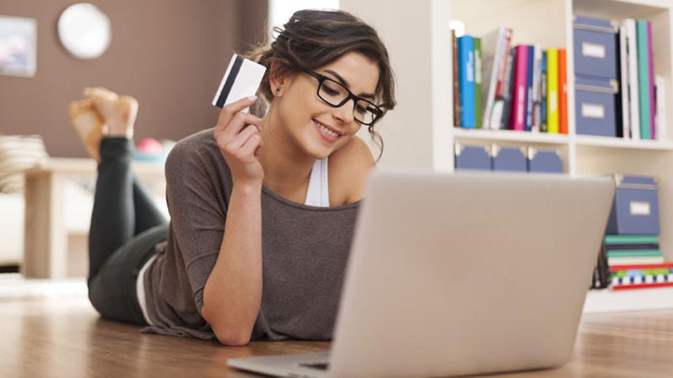 इस उम्र की लड़कियां करती हैं सबसे ज्यादा ऑनलाइन खरीदारी