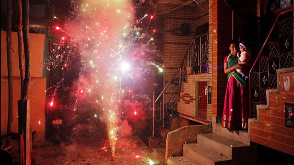SC ने खारिज की पटाखा व्यापारियों की मांग, जारी रहेगा बैन