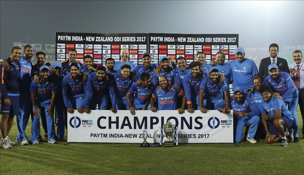 Team India after winning the third ODI match against New Zealand at Green Park Stadium in Kanpur.