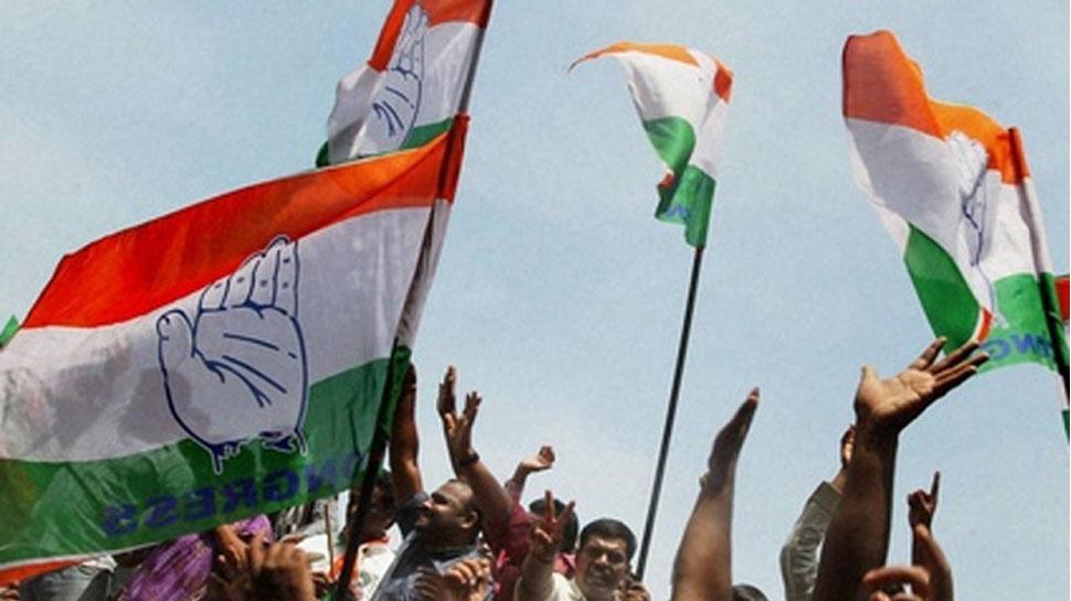 गुजरात चुनाव: कांग्रेस का वादा, सत्ता में आया तो छात्राओं को फ्री में मिलेगा सैनिटरी नैप्किन