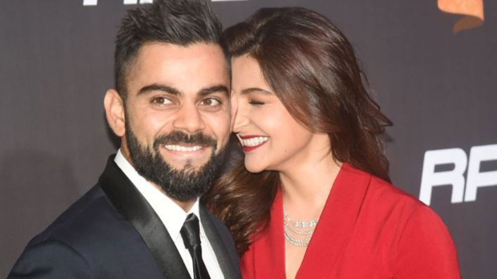 Virat kohli, Anushka Sharma in Sports Award Function
