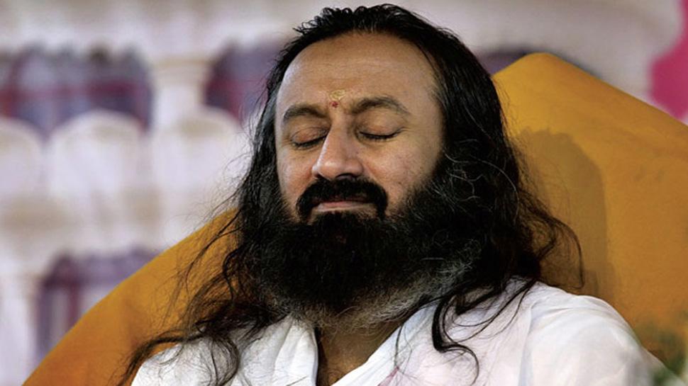 NGT ने यमुना तट को हुए नुकसान के लिए श्री श्री रविशंकर के संगठन AOL को जिम्मेदार ठहराया