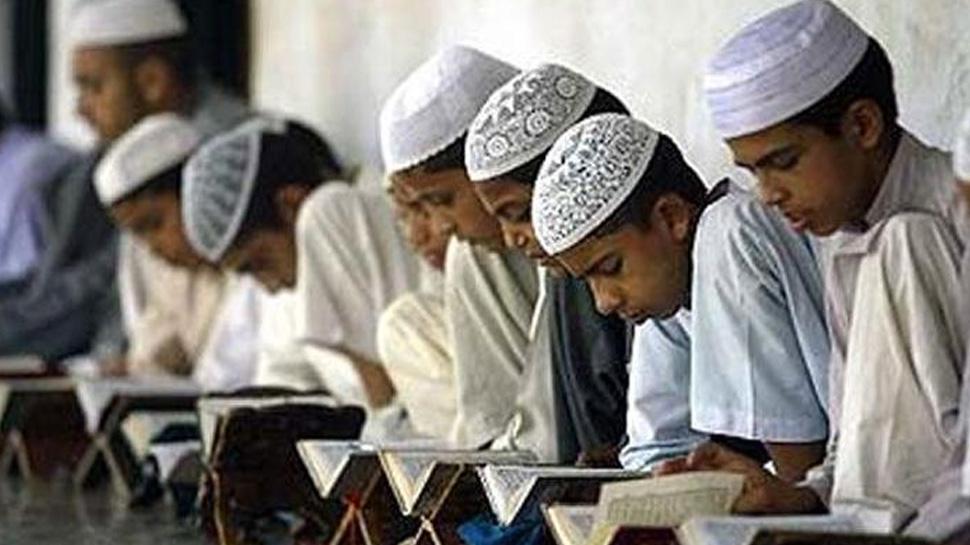 UP: मदरसों के लिए योगी सरकार का नया फरमान- रक्षा बंधन, दशहरा और दिवाली पर भी दो छुट्टी