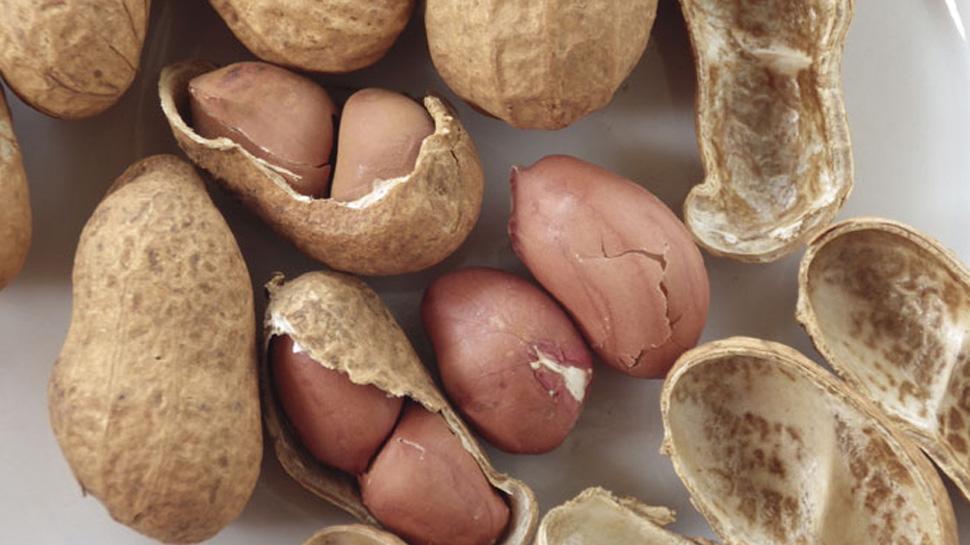 health benefits of eating peanuts