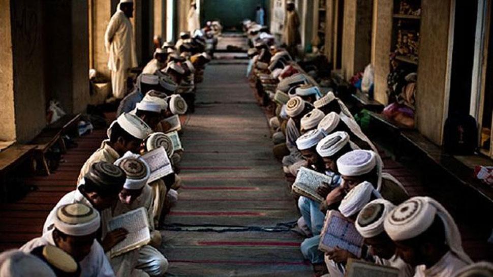 उत्तर प्रदेश में 2300 मदरसों पर लग सकता है ताला, टीचर्स एसोसिएशन ने बताया 'अन्याय'