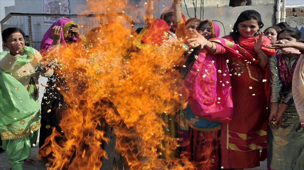 Lohri celebration 2018 photos in india