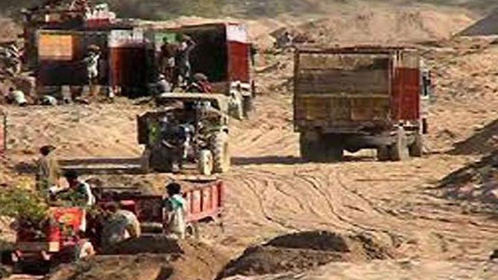छतरपुरः रेत माफियाओं के हौंसले बुलंद, वन विभाग के एसडीओ पर चलाई गोली