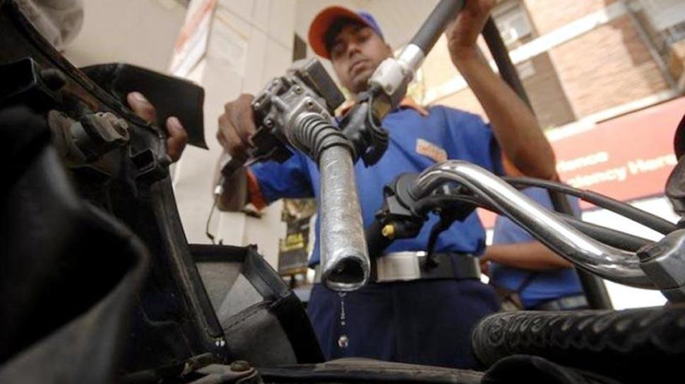2 रुपए तक सस्ता हो सकता है पेट्रोल-डीजल, आम आदमी को मिलेगी बड़ी राहत