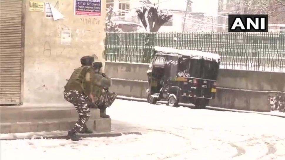 श्रीनगर : 30 घंटे से चल रही मुठभेड़ खत्म, दो आतंकवादी ढेर, सर्च ऑपरेशन जारी