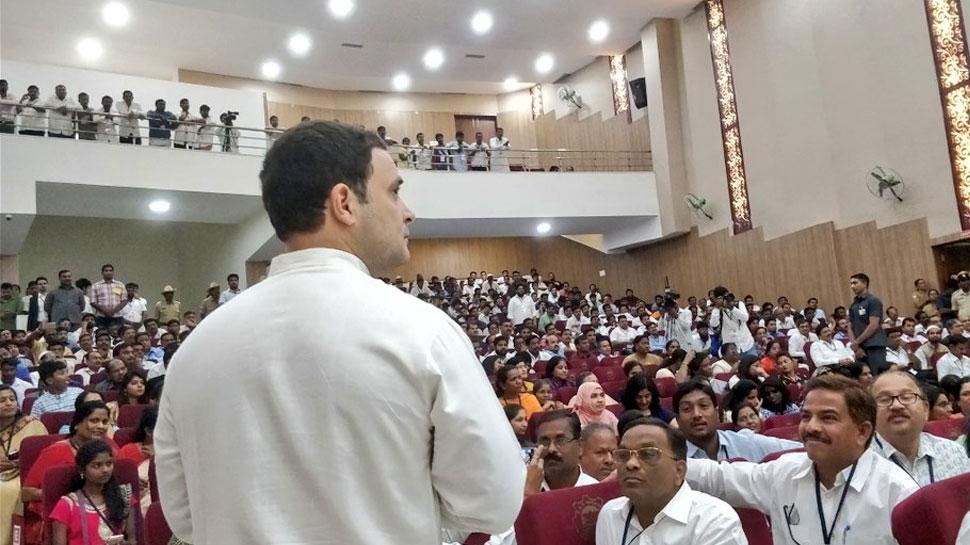 RSS के कहने पर सरकार ने लिया था नोटबंदी का फैसला : राहुल गांधी
