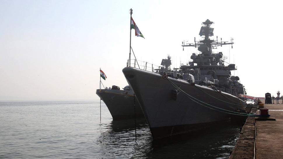 गोवा तट के पास हुई भारत-फ्रांस के नौसैनिक अभ्यास '€˜à¤µà¤°à¥à¤£-18'€™ की शुरुआत