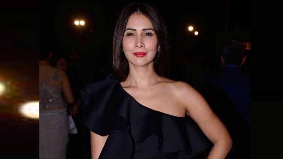 Image result for kim sharma pic india.com