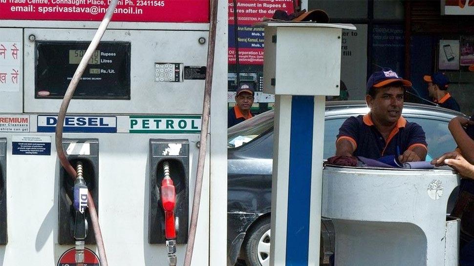 महंगाई: डीजल अब तक का सबसे महंगा, पेट्रोल पर भी बढ़े 9 पैसे/लीटर दाम