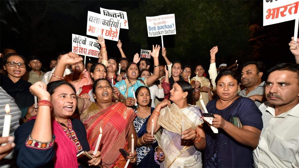 कठुआ गैंगरेप केस: जम्मू के वकीलों ने बंद किया आंदोलन, 12 दिन काम पर लौटे
