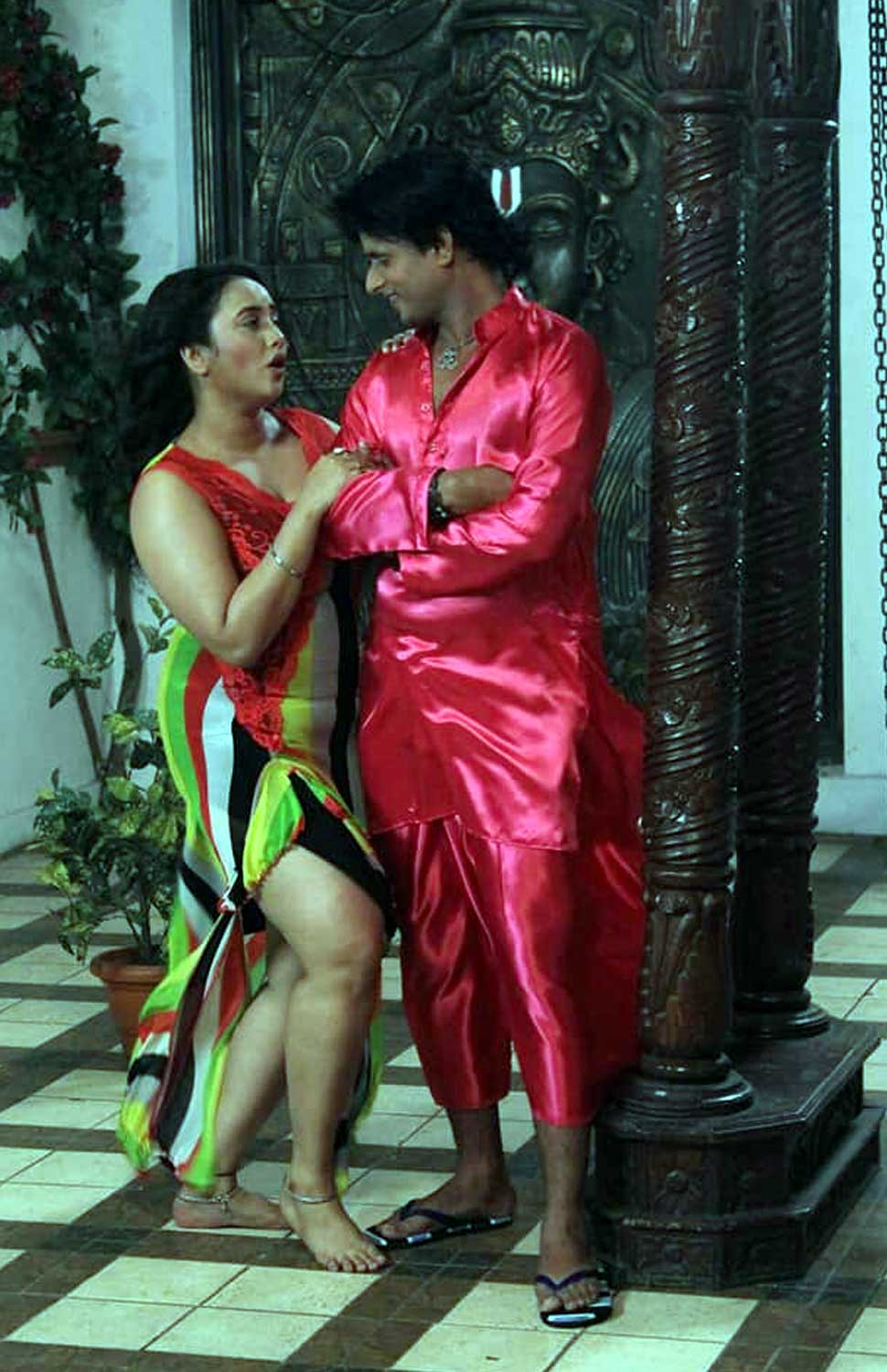 Bhojpuri Action Packed Love Story Ye Ishq Bada Bedardi Rani Chatterjee