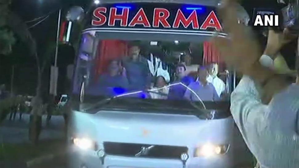 कांग्रेस ने अपने विधायकों को भेजा रिसॉर्ट, बीजेपी पर लगाया 'खरीद-फरोख्त' का सहारा लेने का आरोप